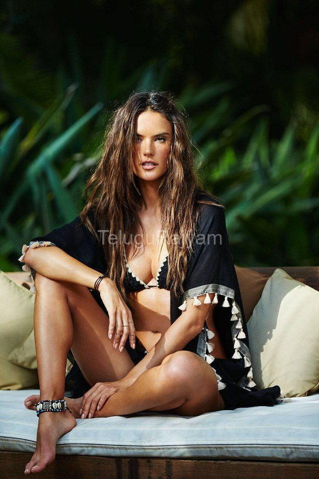 Alessandra-Ambrosio-Hot-Stills-7