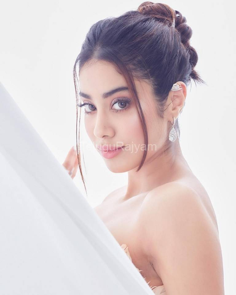 Janhvi-Kapoor-Photos-2