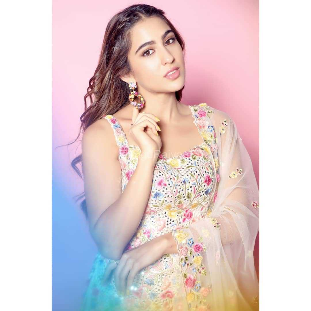 Sara-Ali-Khan-Photos-10