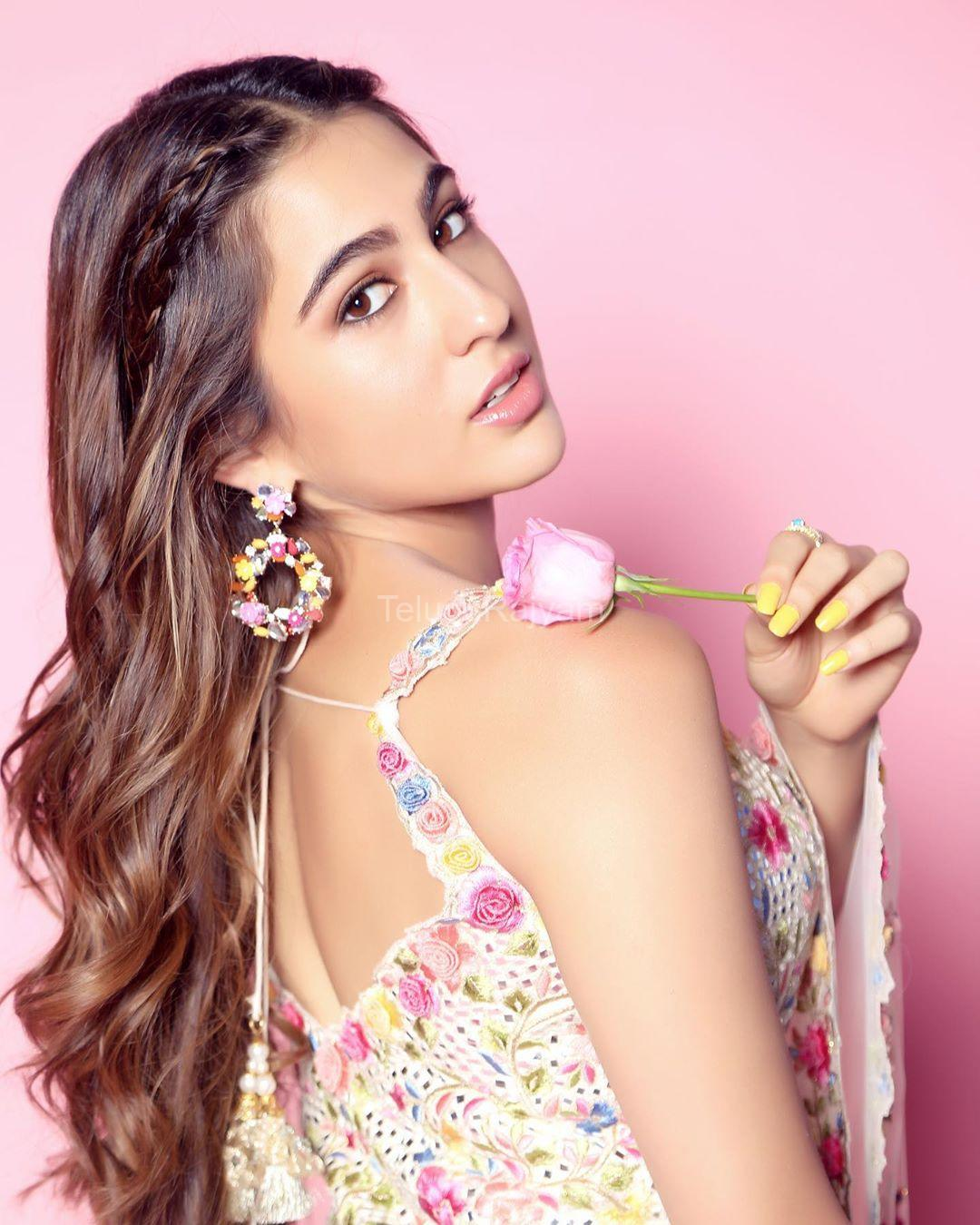 Sara-Ali-Khan-Photos-4