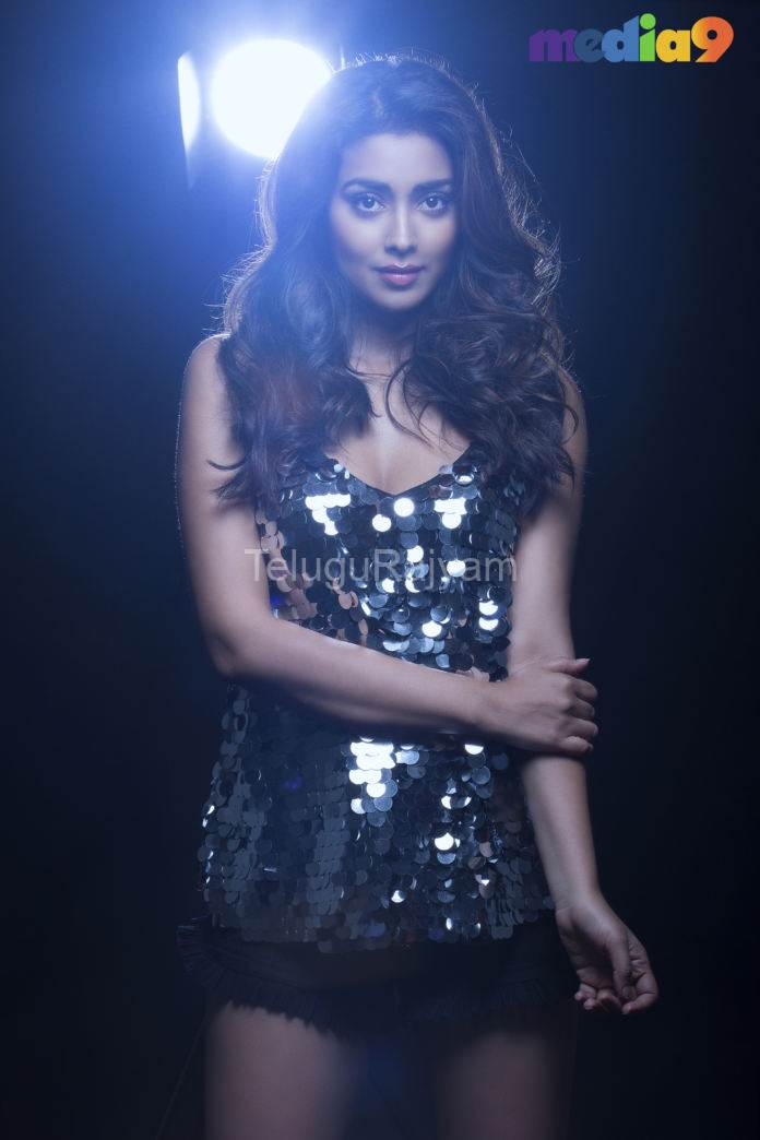 shreya-saran-Photos-11
